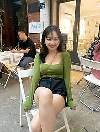 Dissolute korean chick shows her tricks