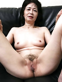 Raunchy korean dame is trying to seduce